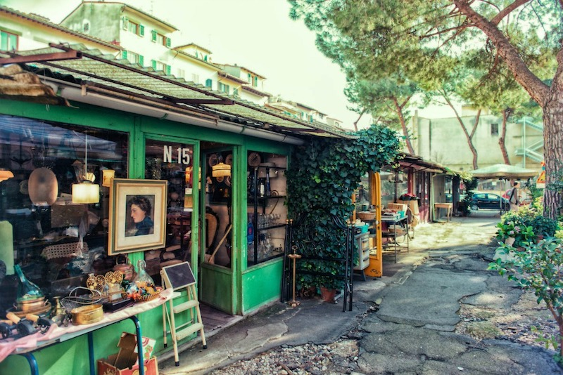 Oldest Antique Market in Firenze Uprooted