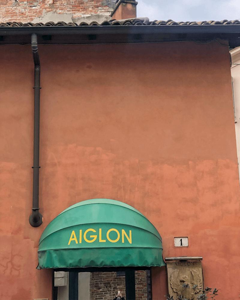 Aiglon Vintage styling